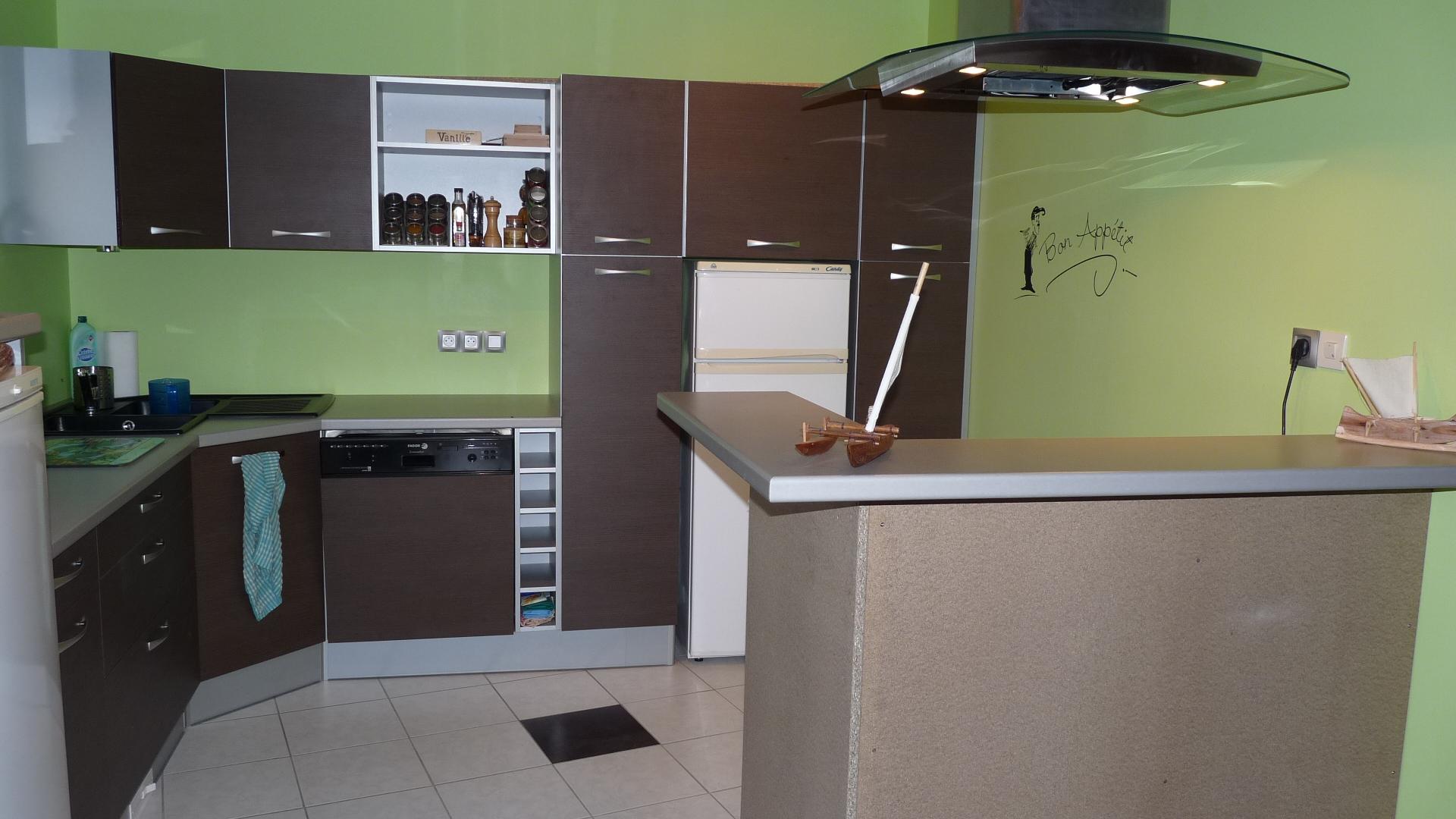 2009 septembre l ostal de ninette for Cuisine avec plaque de cuisson en angle